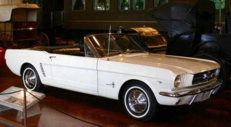 Feliz 56 aniversario, Mustang