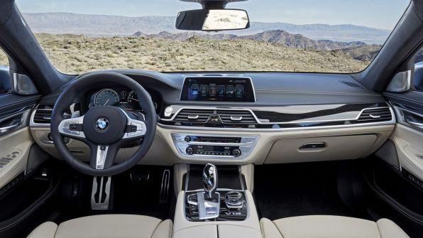 BMW M7 8
