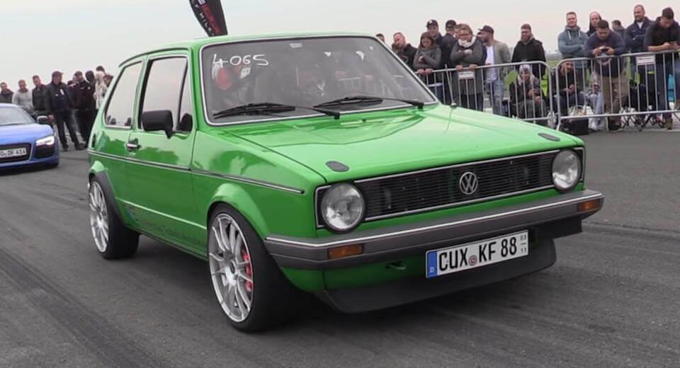 Pogledajte kako juri Volkswagen Golf I sa 455 KS