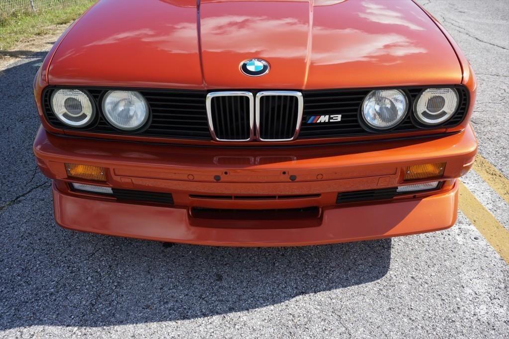 Ovo je vrhunski restauriran BMW M3 E30