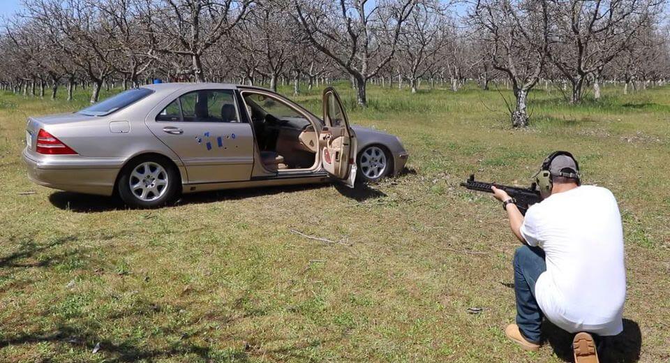 Evo koliko je Mercedes-Benz S-klase W220 otporan na metke