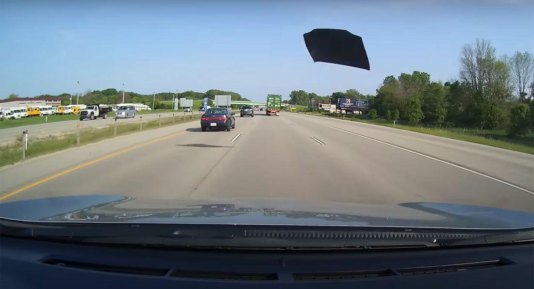 Video: Hauba leti autocestom