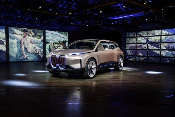 BMW Vision iNEXT slavi svoju svjetsku premijeru u Los Angelesu