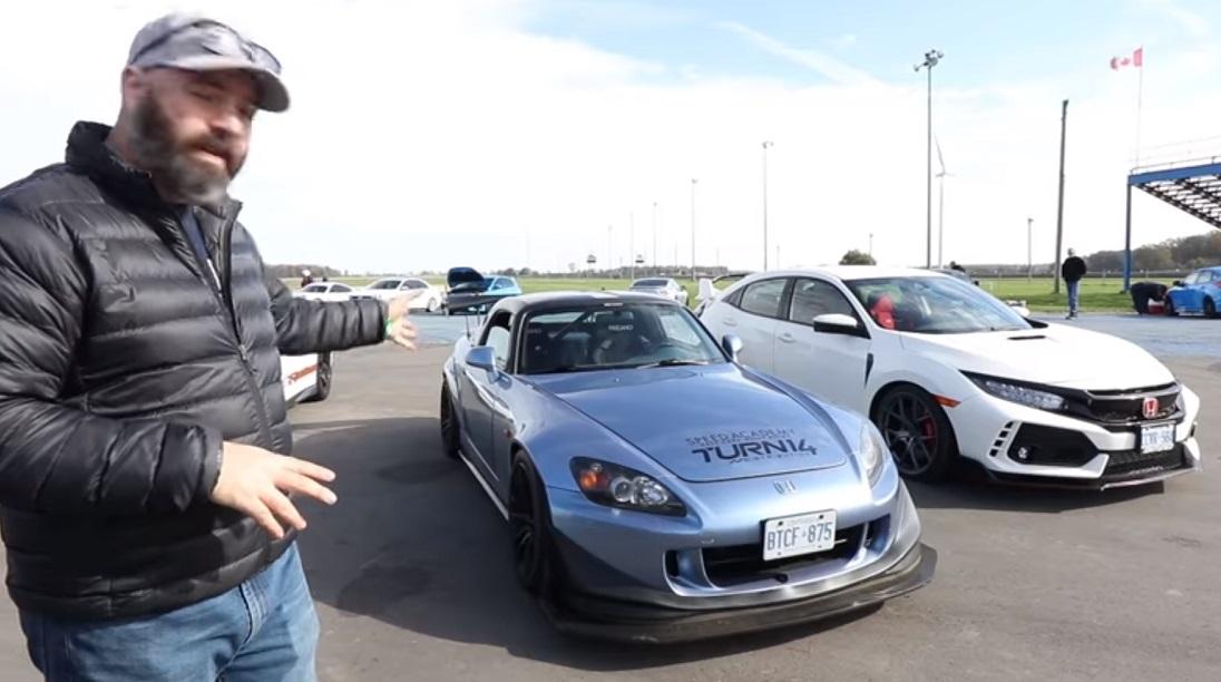 Video: Honda Civic Type R vs. Honda S2000