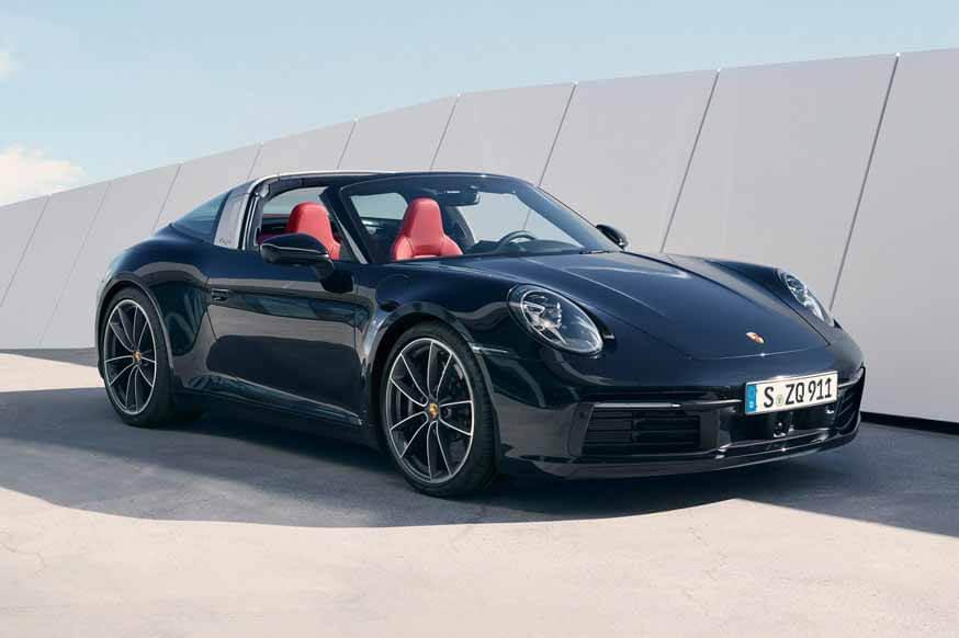 Новый Porsche 911 Targa: крыша прячется под прозрачным капотом на секунду быстрее
