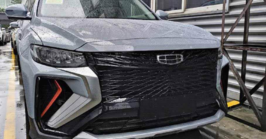 Geely Atlas Pro с решеткой радиатора в стиле Lexus сфотографировали на дороге - Мотор