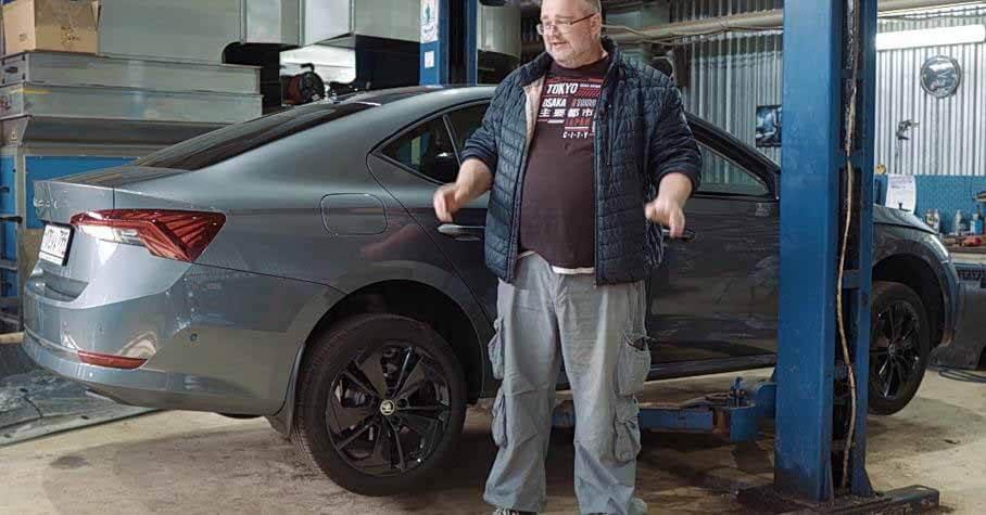 Блогер разобрал новую Skoda Octavia и похвалил ее «европейское качество» - Motor