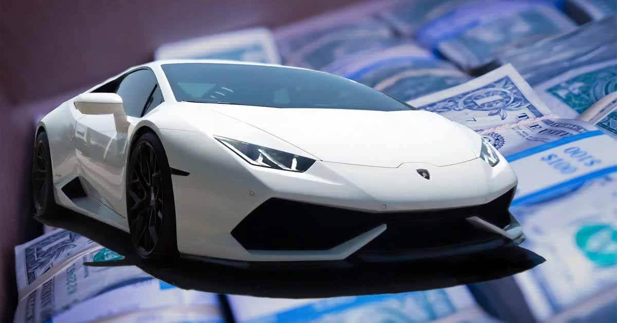 Блогер решил заплатить за Lamborghini купюрами в 1 доллар.  Вот что из этого вышло - Мотор