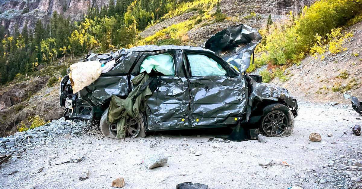 Узнайте, что случилось с Ford Bronco, который рухнул с горы в 120-метровую пропасть - Motor