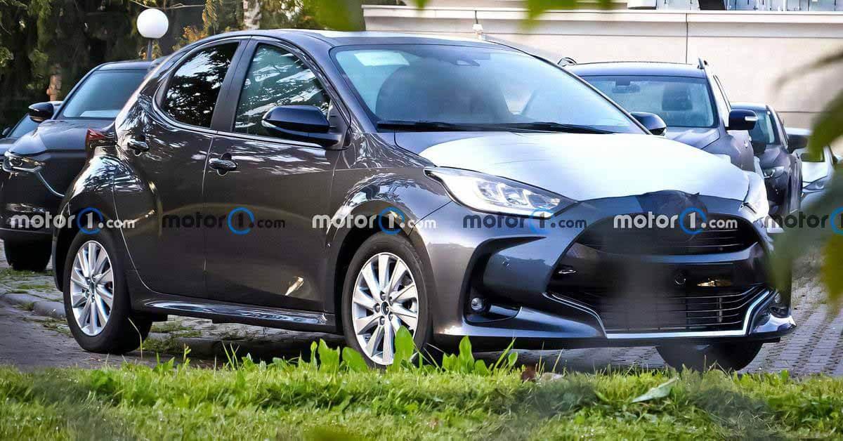 Появились шпионские фото новой Mazda2 - Motor