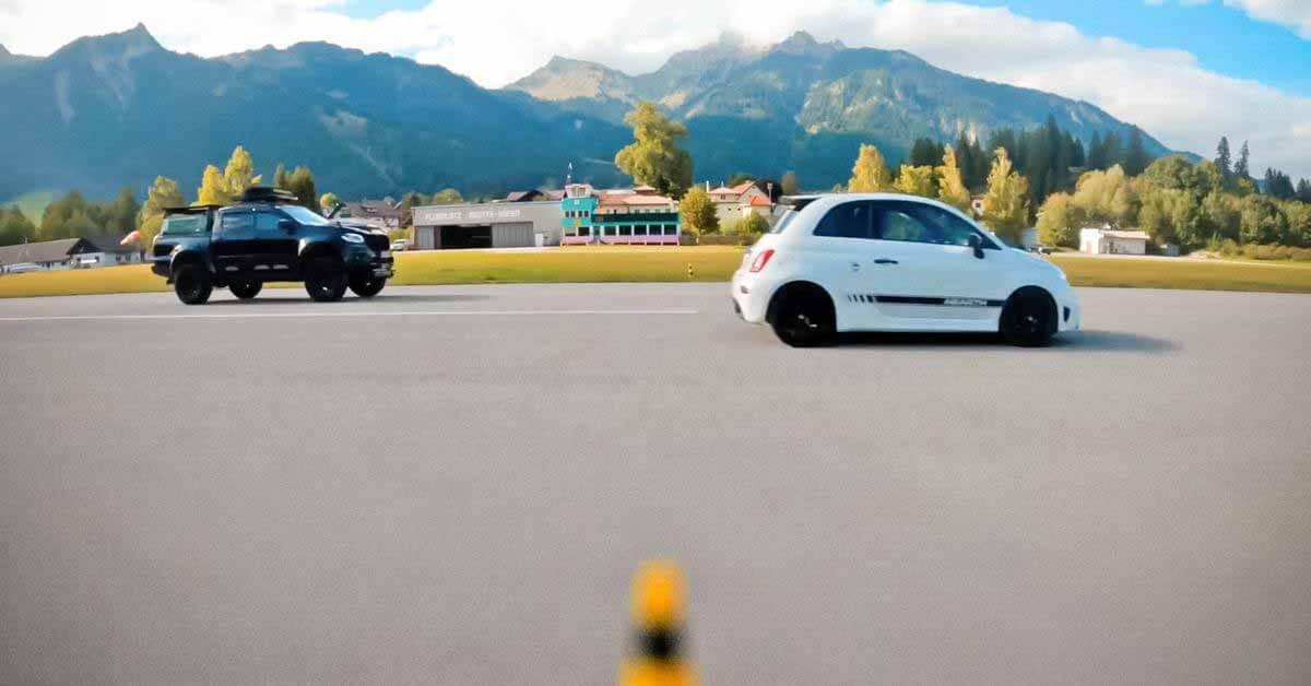 Mercedes-Benz X-Class боролся с «заряженным» хэтчбеком Abarth - Motor