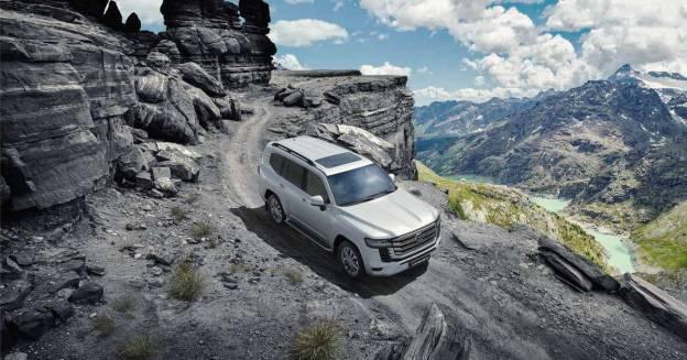 Насколько сильно подорожал Toyota Land Cruiser 300 с момента появления в России - Мотор