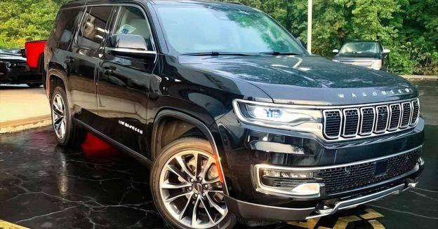 Топовый Jeep Wagoneer продается в Москве за 12 миллионов рублей.  Внедорожник официально не поставляется в Россию