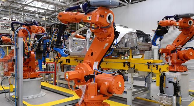 UK manufacturing falls as domestic demand declines