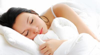 somniloquio-que-sintomas-de-hablar-dormido-tratamiento