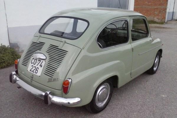 SEAT 600