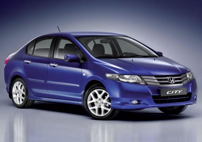 Nissan, Chevrolet, Fiat сильно потеряли на растущем рынке Индии в 2015 году