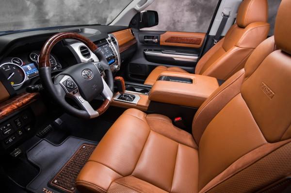 Интерьер Toyota Tundra