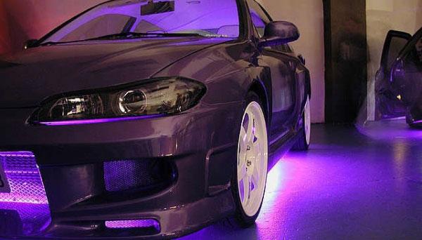 Подсветку можно поставить почти в любом месте автомобиля