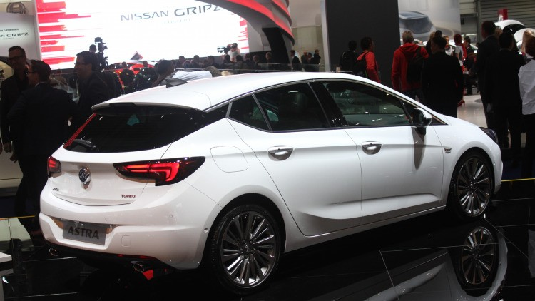 Тест-драйв Opel Astra 2015 года