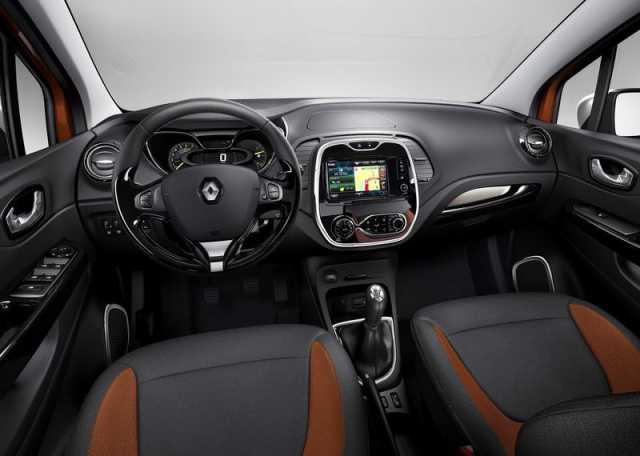 На фото - обновленный салон Renault Captur 2016 года
