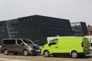 Renault-Trafic-2015-08