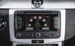 2015-Volkswagen-CC-Sport-127-876x535-750x458