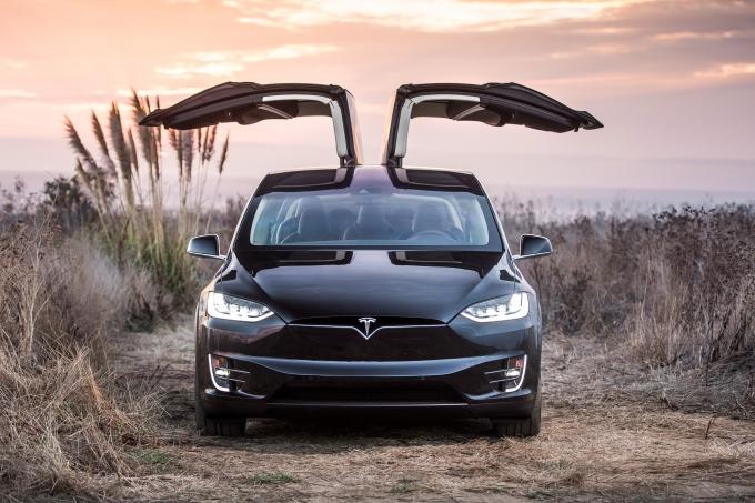 Tesla Model X: как не сгореть заживо