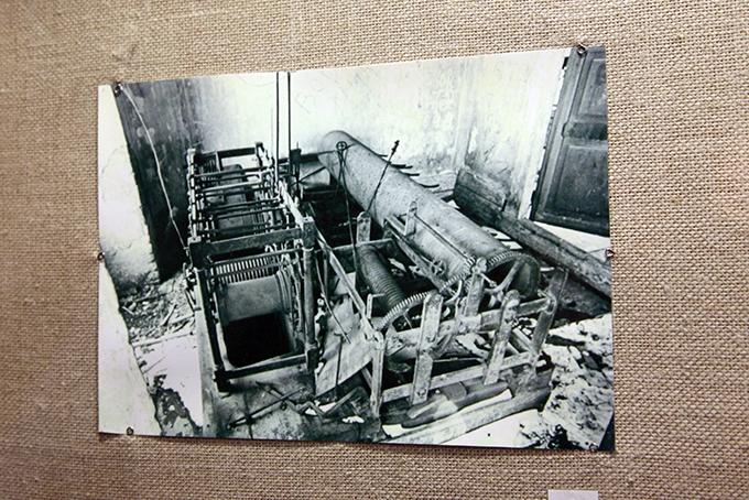 Всередине 1970-х силами рабочих Невьянского завода отреставрированы куранты башни. Отремонтировано ивосстановлено по натертостям, наклепу наэлементах механизма более 3000 деталей. Куранты, которые приводятся вдействие парой двухпудовых гирь, заводят в