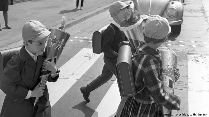 На этой фотографии - гамбургские первоклашки 1963 года