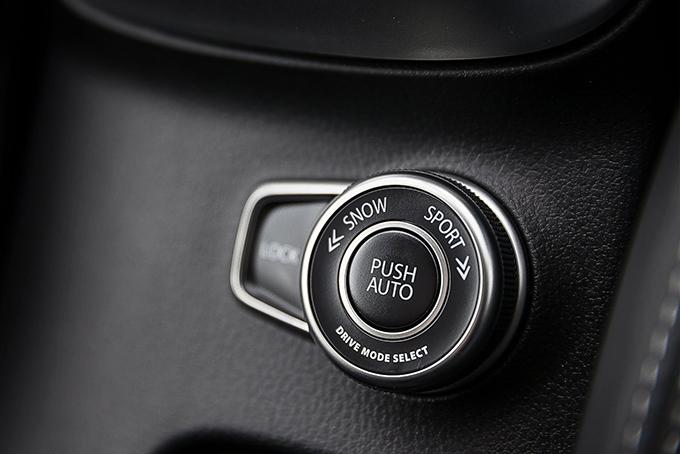 Система полного привода AllGrip 4WD имеет четыре режима: Auto, Sport, Snow иLock, позволяя выбрать оптимальный– всоответствии стипом дороги иусловиями окружающей среды