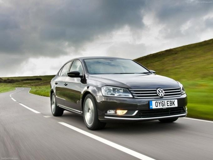 Volkswagen-Passat-2011-1600-01.jpg