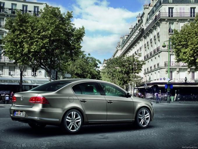 Volkswagen-Passat-2011-1600-1d.jpg