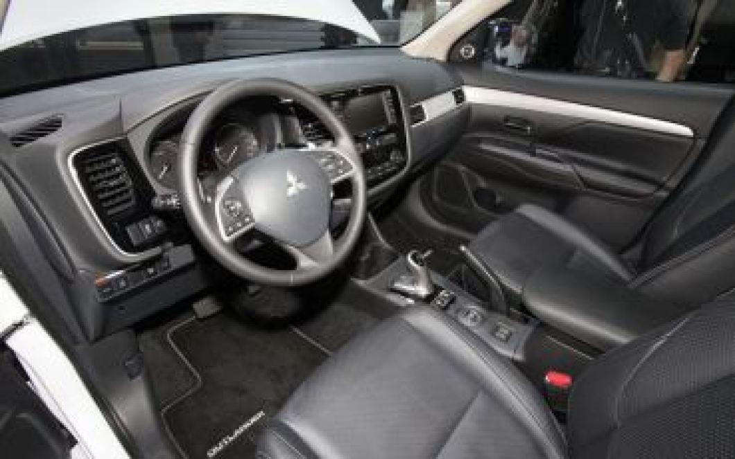 Mitsubishi не может похвастаться современной начинкой и системами безопасности