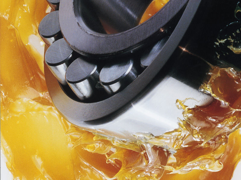 Масла и консистентные смазки для подшипников