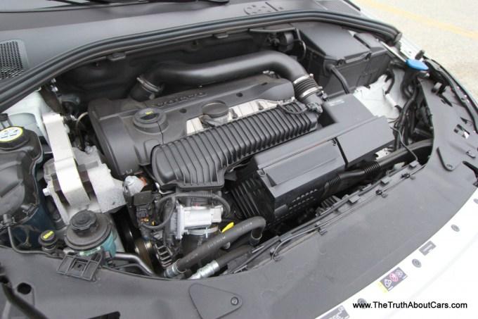 2013-Volvo-S60-T5-AWD-023.jpg