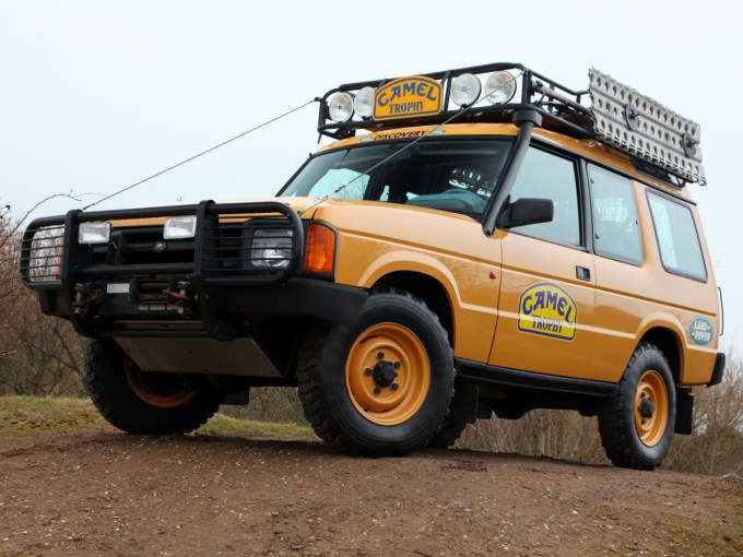 autowp.ru_land_rover_discovery_3-door_camel_trophy_1.jpg