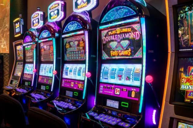 Играем в Клубе Вулкан в новый автомат CashSplash 3 Reel