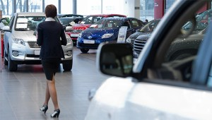 Особенно выросли продажи у лидера рынка марки Toyota.