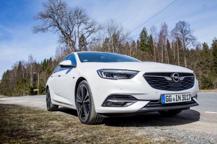 Фото экстерьера нового Opel Insignia Grand Sport.