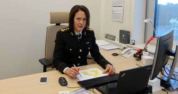 Руководитель Центра тревоги Кятлин Алвела.
