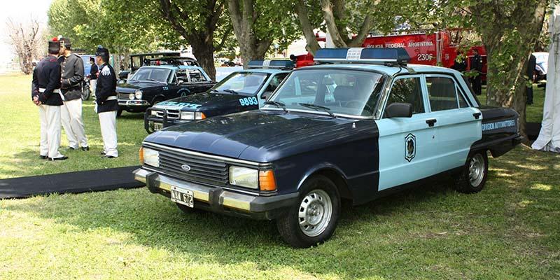 Muestra de vehículos históricos de la Policía Federal.