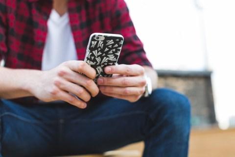 Как скачать торренты прямо на iPhone