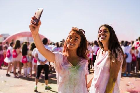 Как экспортировать все воспоминания в Snapchat