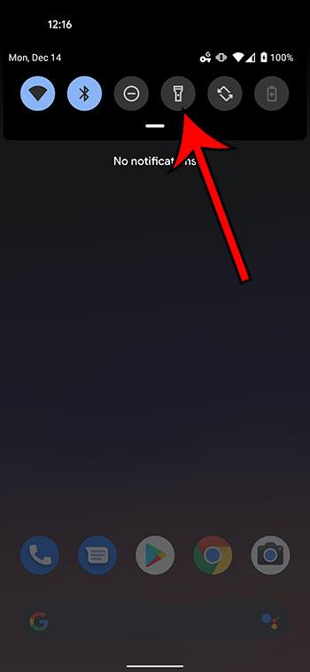 Как включить фонарик Google Pixel 4A