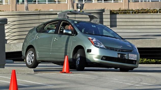 800px-Jurvetson_Google_driverless_car_trimmed-e1389397744111