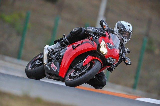 Wat zijn de voordelen van leren motorkleding