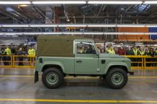 land-rover-defender-production-ceases-03.jpg