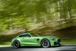Mercedes-AMG-GT-R-12