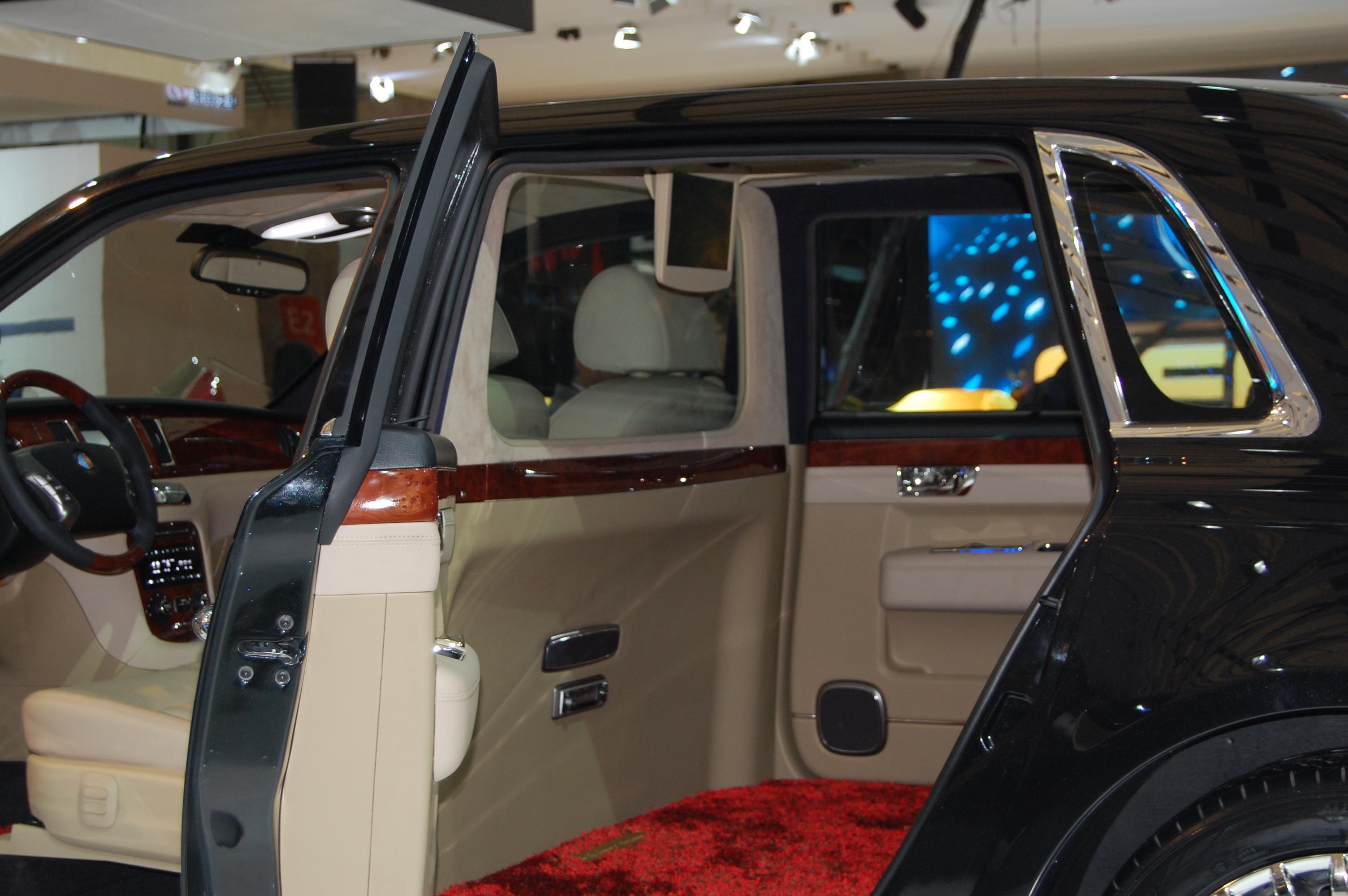New Geely GE Limo Is Rolls Royce Phantom Clone Its